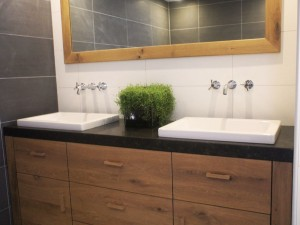 Badkamermeubel eikenhout/hardsteen